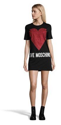 Love Moschino Sale mit bis -65% Rabatt - z.B. Damenkleid mit Herzaufdruck 65€