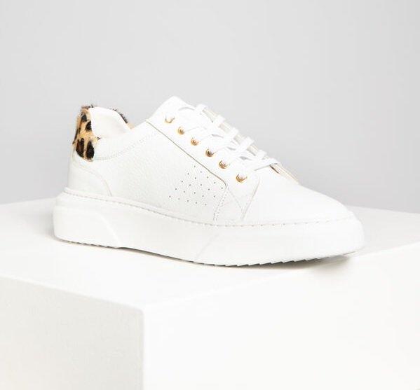 Habuya Damen Sneaker in Weiß mit Muster für 37,54€ inkl. Versand (statt 48€)