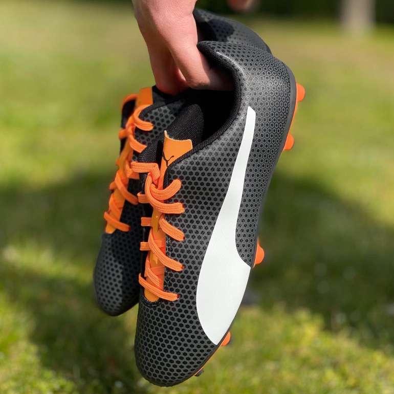 Puma Spirit FG Kinder Fußballschuhe in Schwarz für 15,06€ (statt 21€)
