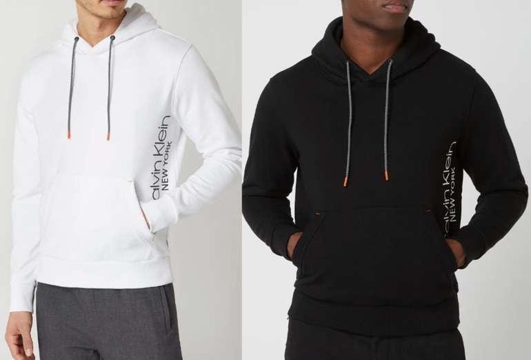 Calvin Klein Hoodie aus Baumwolle in weiß oder schwarz für 49,99€inkl. Versand (statt 99€)