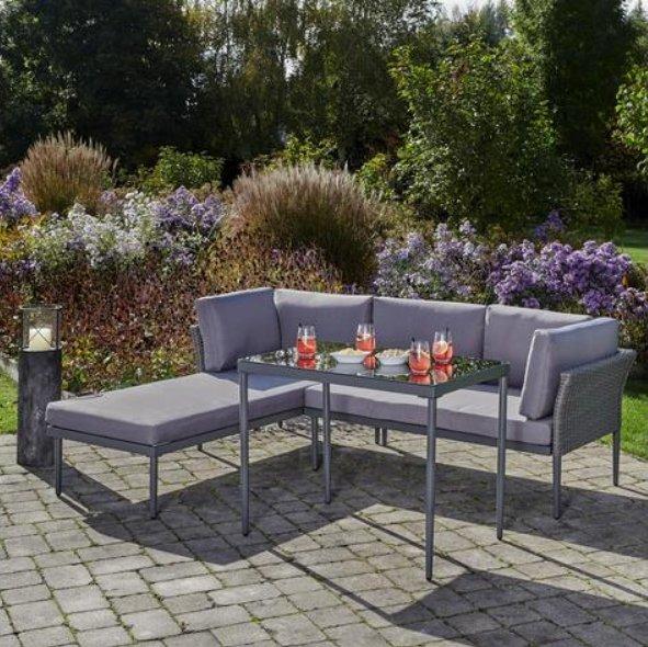 Bessagi Loungegarnitur Madlen inkl. Tisch + Kissen für 150€ inkl. Versand (statt 280€)
