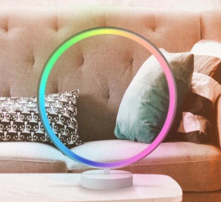 Utorch R9 Bunte LED Ambient Tischleuchte mit 42 Farben für 33,30€ inkl. Versand
