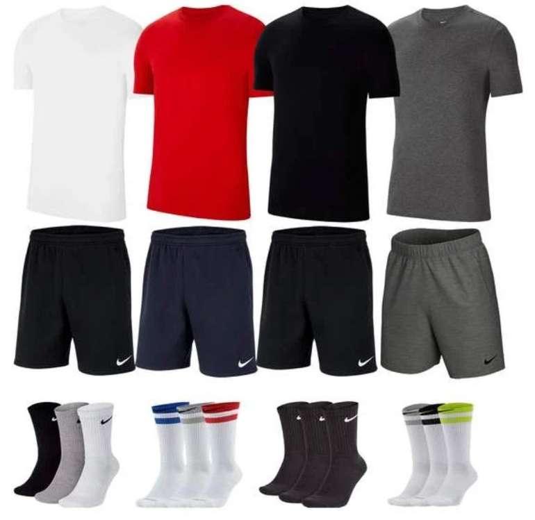 Nike Outfit Team Park 20 (vers. Farben, 3-teilig) für 39,99€inkl. Versand (statt 48€)