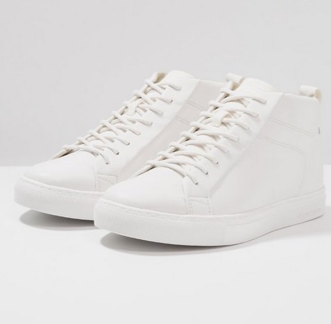 Sneaker & Boots bis zu -70% reduziert, z.B Jack & Jones Sneaker high für 18€ zzgl. VSK