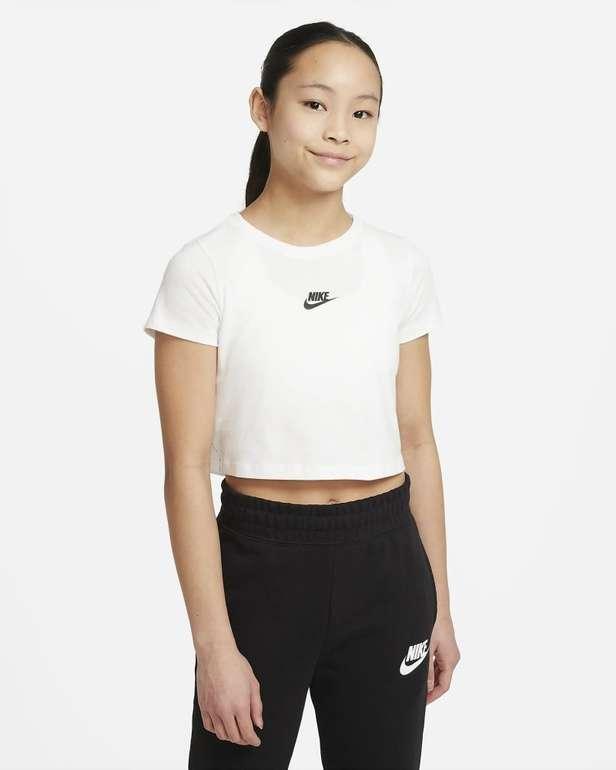 Nike Sportswear Mädchen Crop-T-Shirt in 2 Farben für je 11,18€ (statt 20€) - Nike Membership!