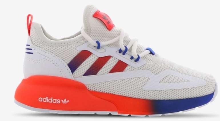 Foot Locker Sale mit bis zu 50% Rabatt + VSKfrei ab 29,99€ - z.B. adidas ZX 2K Boost Vorschule Schuhe für 49,99€