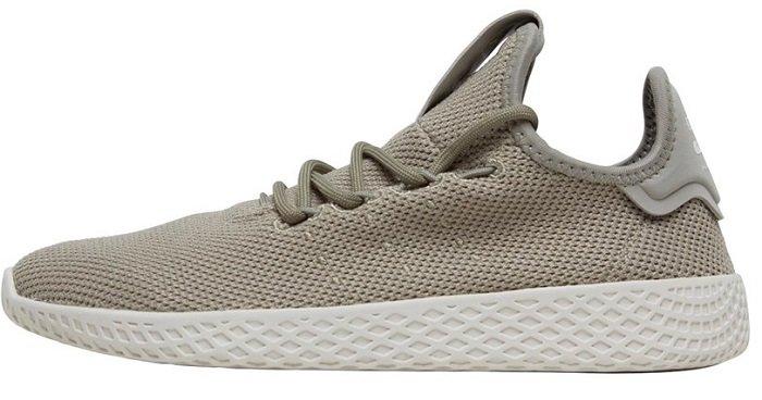 MandMDirect: Bis zu 80% Rabatt auf Mode, Sneaker & Co. - adidas Originals Junior Pharrell Williams Tennis HU Sneakers für 22,95€