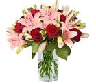 "Rosenarrangement ""Gruß & Kuss"" (25 Rosen + 5 Lilien) für 24,98€ inkl. Versand"