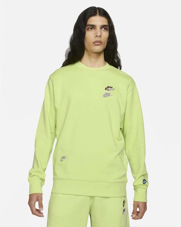 Nike Sportswear Essentials+ French Terry Rundhalsshirt für 33,58€ inkl. Versand (statt 48€) - Nike Membership!