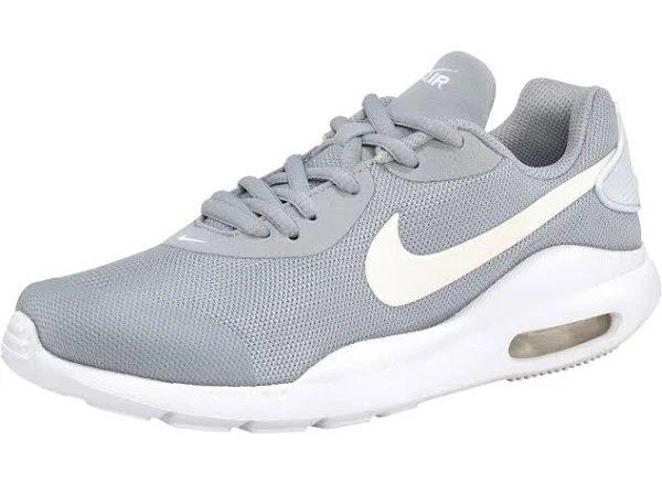 Nike Air Max Oketo Kinder Sneaker (Größe 35,5 bis 39) für 27,28€ inkl. Versand (statt 39€)