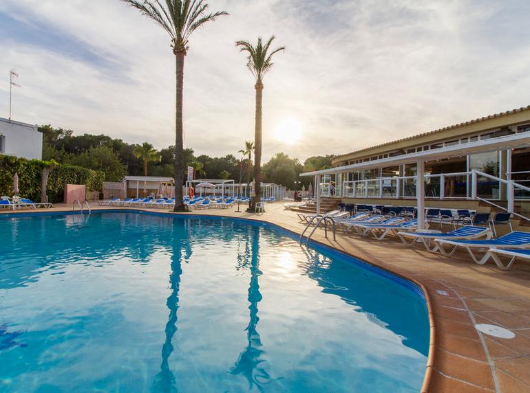 7 Tage Ibiza 3.5* Hotel All Inclusive + Flug + Transfer - Mai & Oktober für 318€