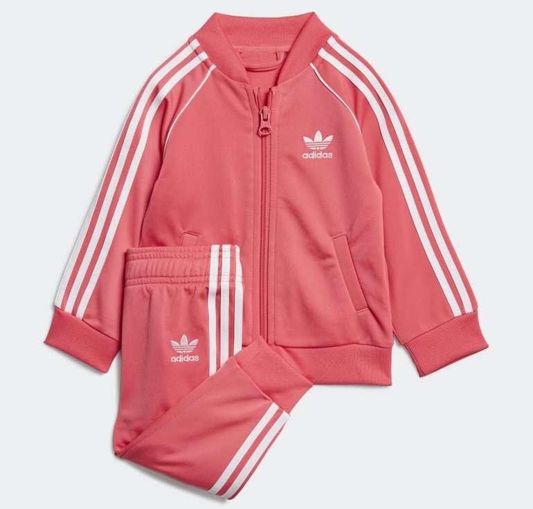 Adidas Kids SST Trainingsanzug in Real Pink/White für 19,58€ inkl. Versand (statt 40€) - Creators Club