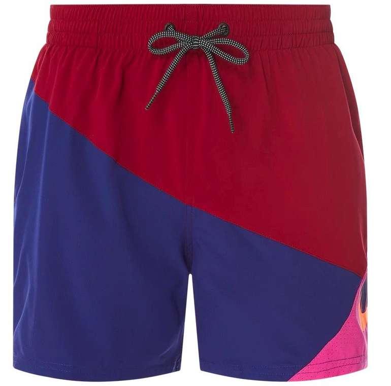 Nike Badeshorts Nassa im dreifarbigen Design in vers. Farben für 13,99€ inkl. Versand (statt 30€)