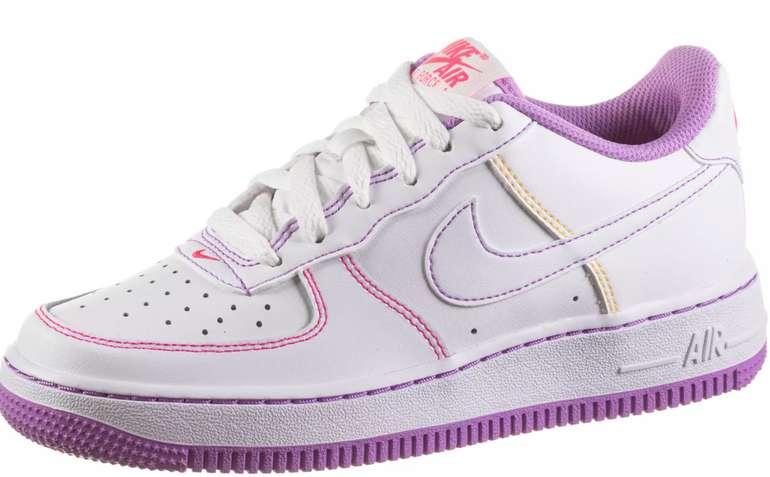 "Nike Air Force 1 (GS) Kinder Sneaker in ""Fuchsia Glow"" für 78,90€ inkl. Versand (statt 90€)"