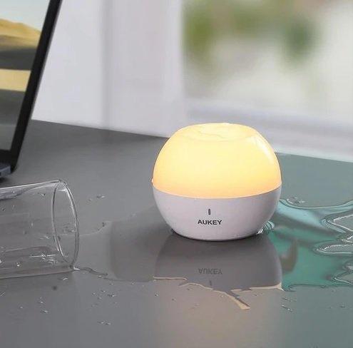 Aukey Tischlampe mit Touchbedienung (LT-ST23) für 9,88€ inkl. Versand (statt 26€)