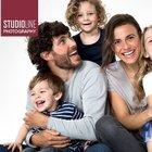 Profi STUDIOLINE Fotoshooting (Bis 6 Personen) inkl. 3 Fotos als Abzug ab 29,90€