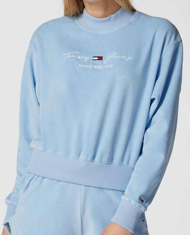 Tommy Jeans Sweatshirt mit Samt-Optik für 46,74€ inkl. Versand (statt 66€)