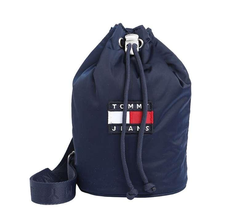 Tommy Jeans Beuteltasche 'Heritage Small Sling Bag' für 28,57€ inkl. Versand (statt 49€)