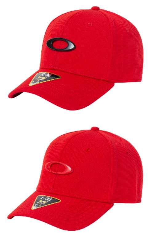 Oakley Tincan Flexfit Cap in Rot mit Logo Print für 15,94€ inkl. Versand (statt 23€)