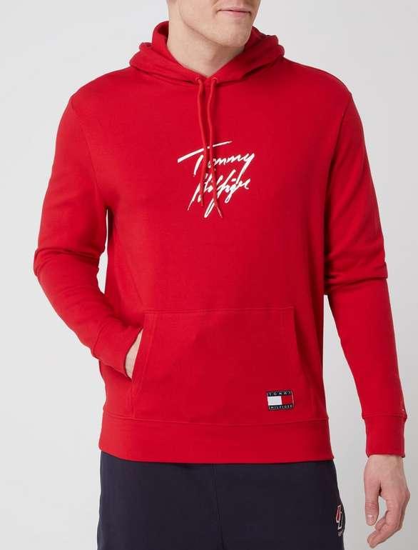 Tommy Hilfiger Hoodie mit Logo in Rot für 59,99€ inkl. Versand (statt 84€)
