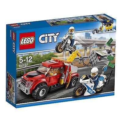 Lego City Abschleppwagen auf Abwegen (60137) für 13,99€ inkl. VSK - Prime!