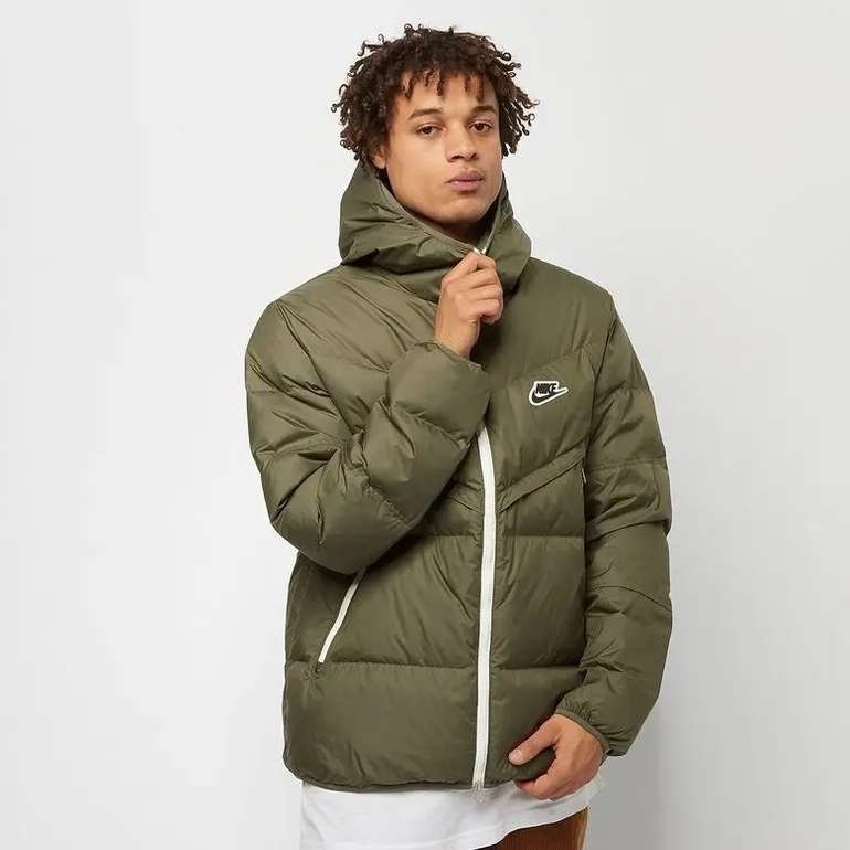 Nike Sportswear Down-Fill Windrunner Jacket für 90€ inkl. Versand (statt 120€)