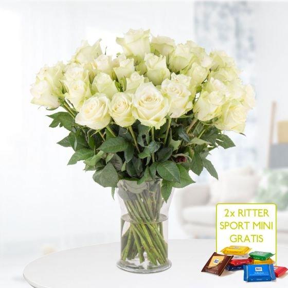 40 weiße Rosen (40cm Stiellänge) + 2x Ritter Sport Minis für 24,90€ inkl. Versand