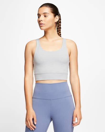 Nike Yoga Luxe Infinalon Crop Top für 23,98€ inkl. Versand (statt 32€) - Nike Member!