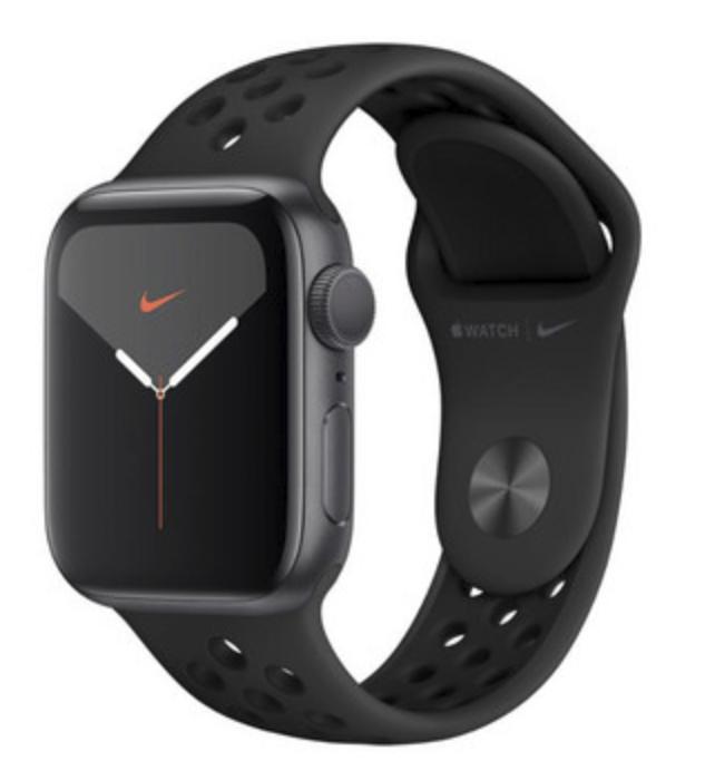 Apple Watch Series 5 44mm Smartwatch für 325,90€ inkl. Versand (statt 379€)