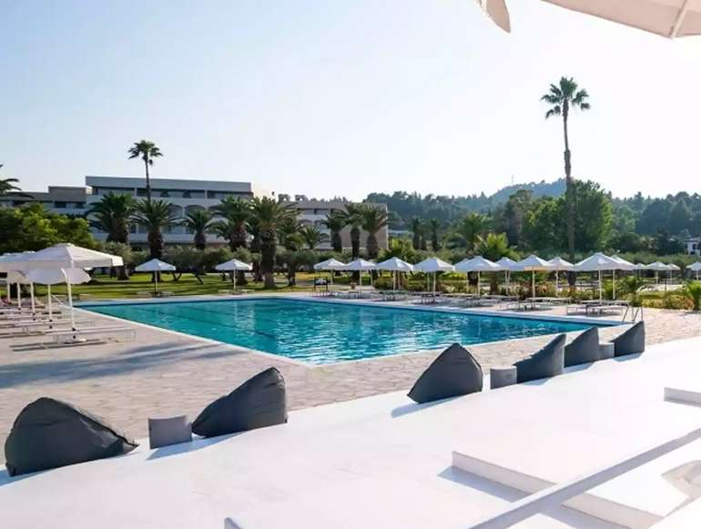 Halkidiki: 3 Nächte im 5* Kassandra Palace Hotel mit Halbpension, Wein & Cocktail für 102€ p.P (RZ: SEP + OKT)