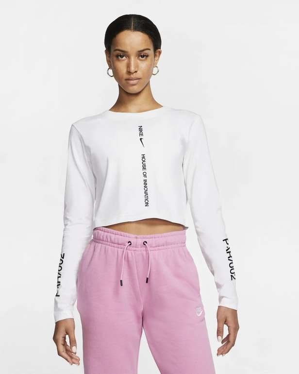 Nike House Of Innovation (Paris) Crop-T-Shirt in 2 Farben für je 24,50€ (statt 35€) - Nike Membership!