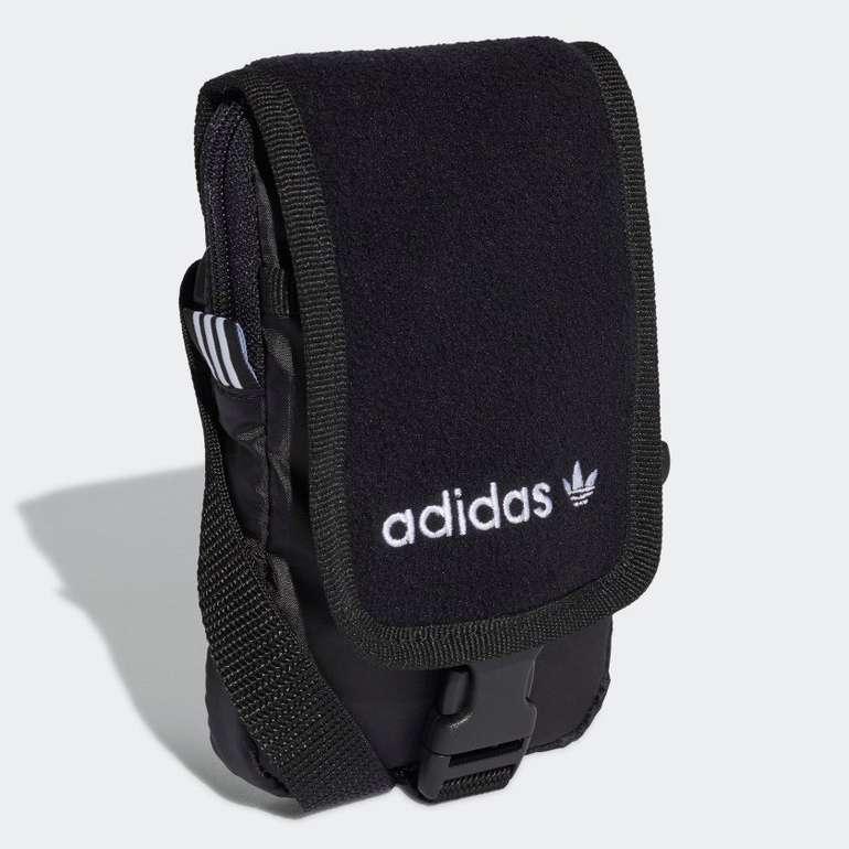 Adidas Premium Essentials Crossbody-tasche (10 x 2 x 16cm) für 9,78€ inkl. Versand (statt 20€)