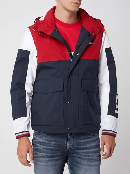 Tommy Hilfiger Jacke mit abnehmbarer Kapuze für 169,99€ inkl. Versand (statt 200€)
