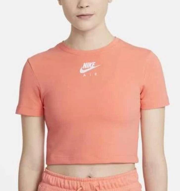 Nike Air Cropped Damen T-Shirt für 16,77€ (statt 22,45€) oder Sweater für 25,17€ - Nike Membership!