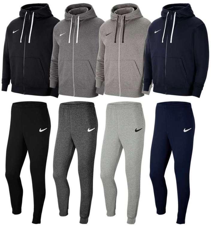 Nike Freizeitanzug Team Park 20 (versch. Farben) für je 49,95€ inkl. Versand (statt 63€)
