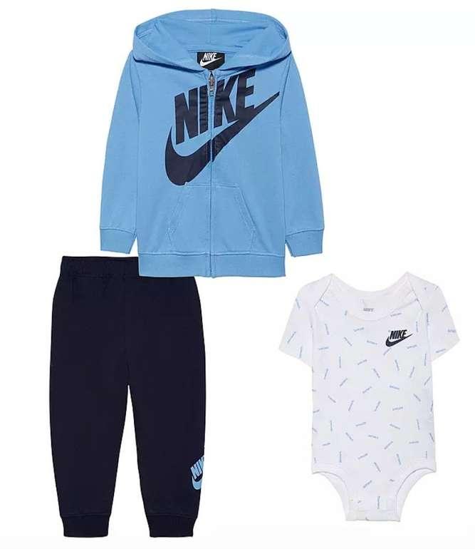 Nike JDI Toss Kinder- bzw. Baby- Trainingsanzug für 30,26€ inkl. Versand (statt 48€)