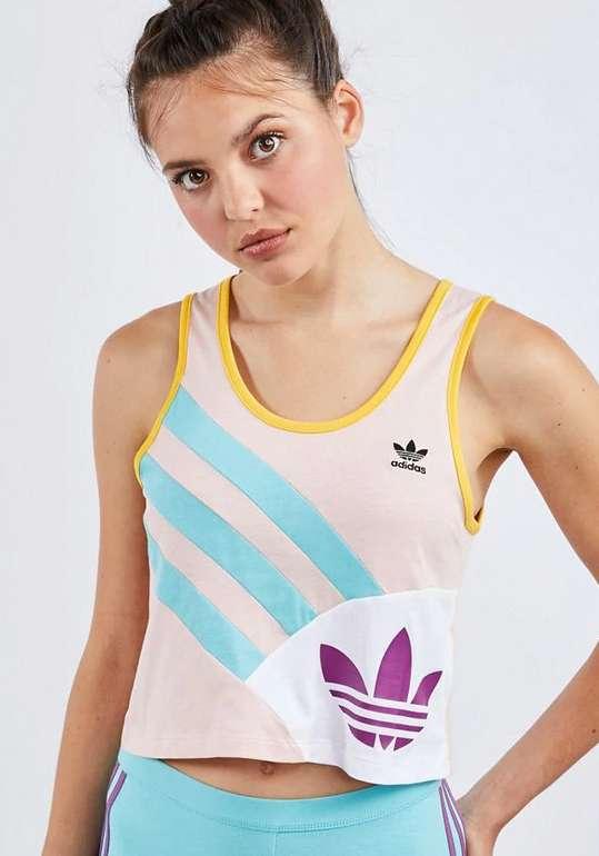 adidas Sportive 90S Shirt in weiß-blau-gelb für 9,99€ inkl. Versand (statt 21€)