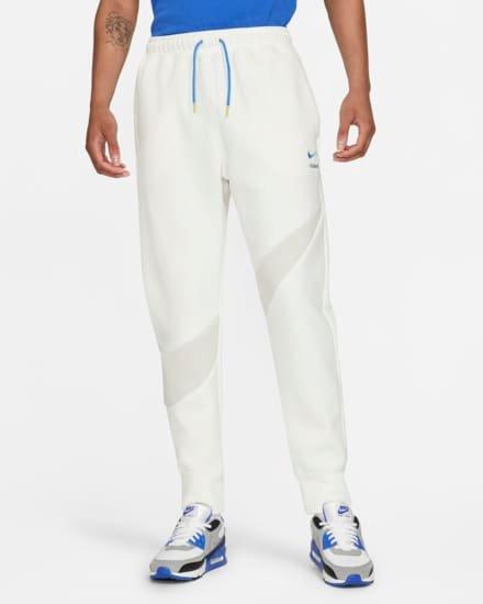 Nike Sportswear Swoosh Tech Fleece für 59,97€ inkl. Versand (statt 100€)