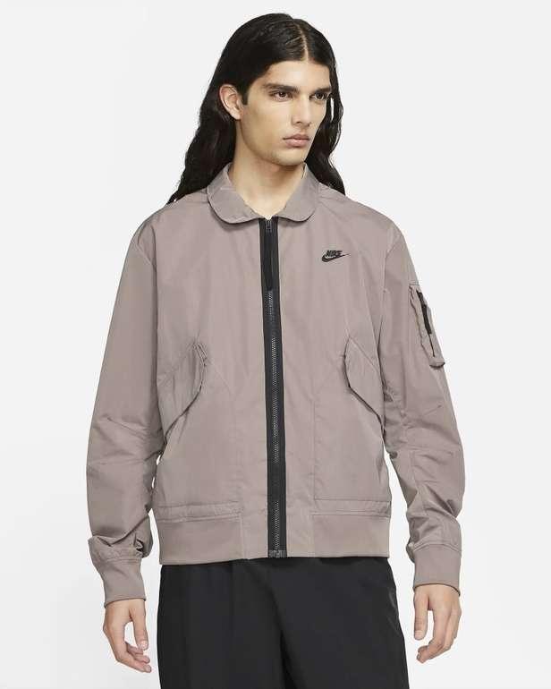 Nike Sportswear Premium Essentials ungefütterte Herren Bomberjacke für 49,48€ (statt 110€) - Nike Membership!