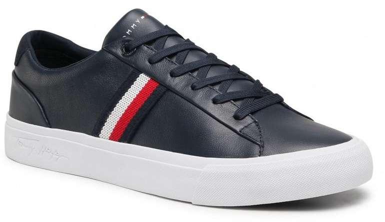 Tommy Hilfiger Corporate Leather Sneaker FM0FM03397 Desert Sky DW5 für 55,75€ inkl. Versand (statt 70€)