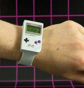 Game Boy Armbanduhr (offiziell von Nintendo lizenziert) für 11,60€ inkl. VSK