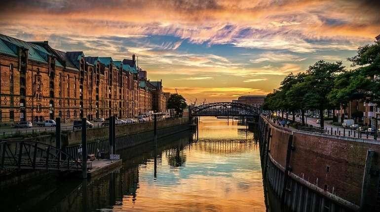 Hamburg: 4* Hotel Holiday Inn 92€ - die Nacht inkl. Frühstück für 2 Personen