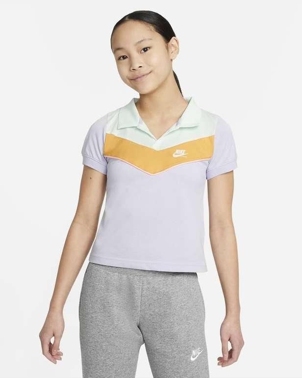 Nike Sportswear Heritage Mädchen Poloshirt für 16,78€ (statt 27€) - Nike Membership!