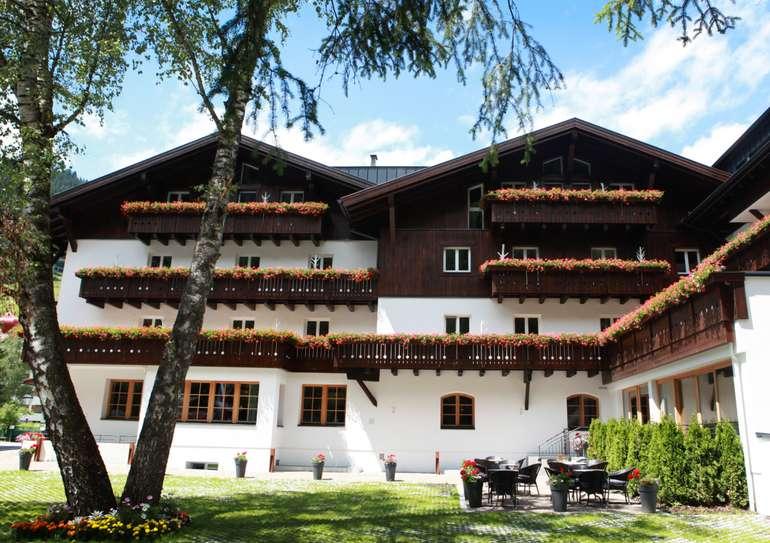St. Anton am Arlberg: 2 ÜN im 4* Valluga Hotel (Frühstück, Wellness-Nutzung) für 99€ p.P - bis September 2022
