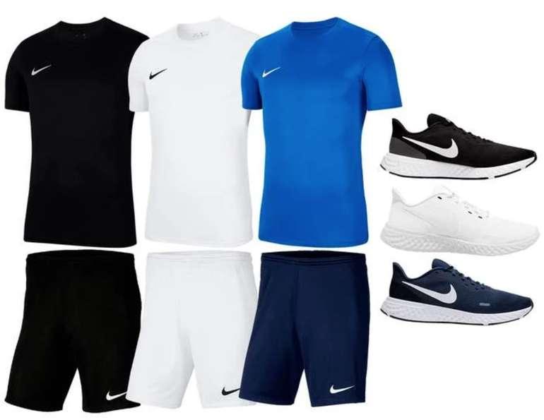 3-tlg. Nike Trainings Outfit Park VII (T-Shirt, Shorts und Sneaker) für 56,95€ inkl. Versand (statt 70€)