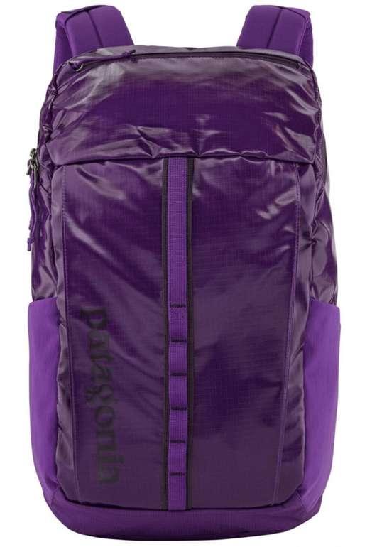 Patagonia Black Hole Pack 23L Damen Rucksack in lila für 69,66€inkl. Versand (statt 96€)