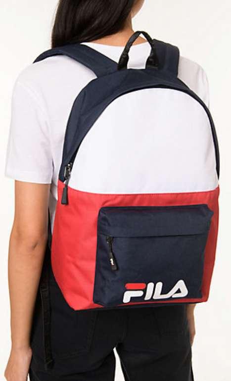 Fila S'cool Two Freizeitrucksack in blau-weiß-rot für 18,34€ inkl. Versand (statt 27€)
