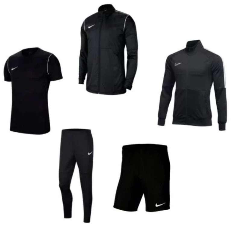 5-teiliges Nike Trainingsset (Jacke, Hose, Regenjacke, Shirt, Short) für 62,95€ (statt 85€)