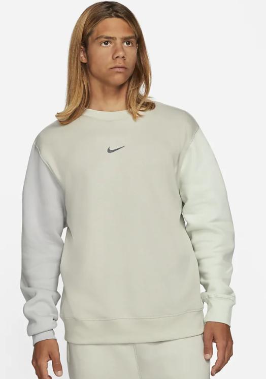 Nike Sportswear Fleece-Rundhalsshirt mit Swoosh (3 Farben) für 38,47€ inkl. Versand (statt 50€) - Nike Membership!