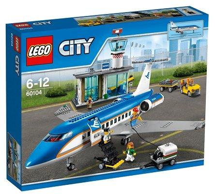 LEGO 60104 City: Flughafen-Abfertigungshalle für 65,84€ inkl. VSK (statt 73,98€)